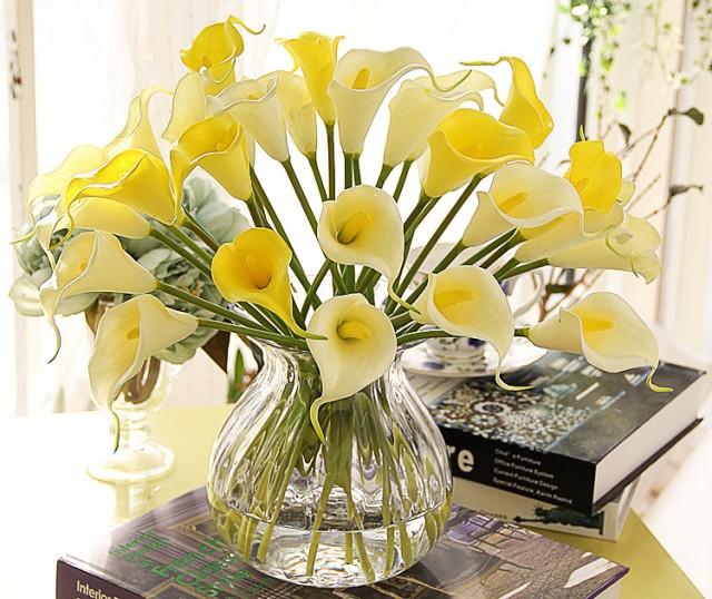 Las flores pueden transformar gratamente a tu oficina Anímate a
